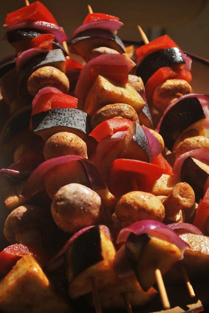 Surowe szaszłyki warzywne