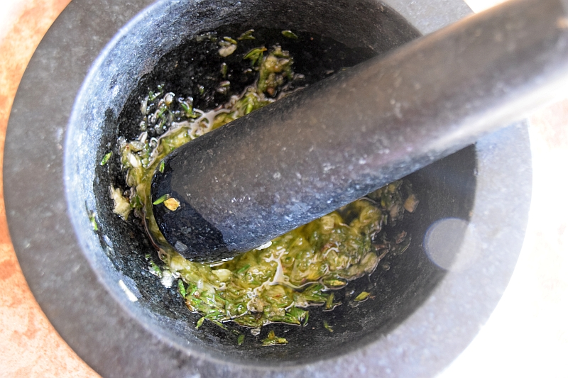 garlic and thyme paste
