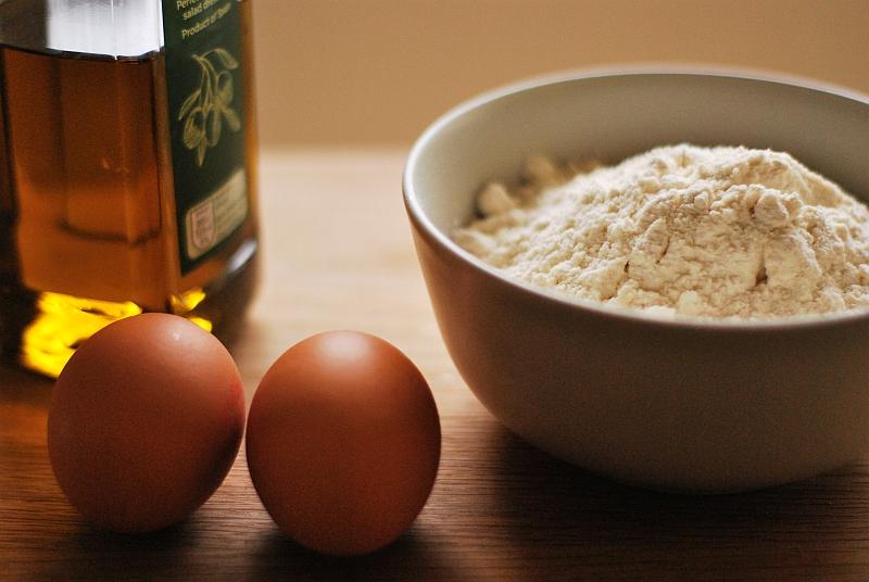 składniki na makaron