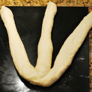 plaiting loaf