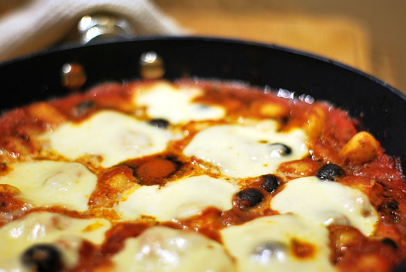 Baked gnocchi with tomatoes